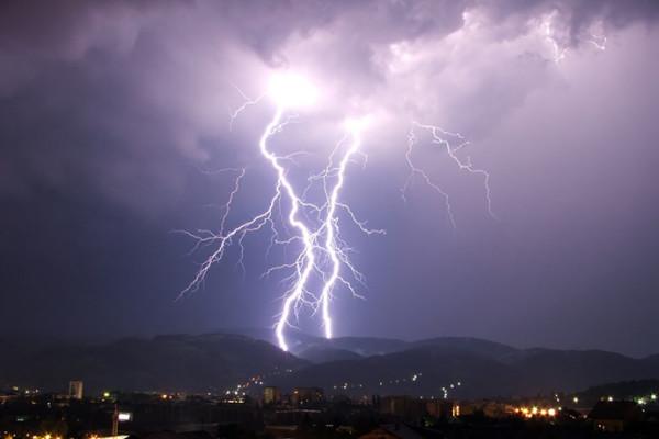 lightning690